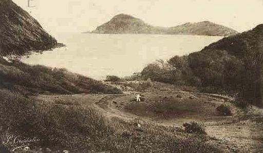 Le Grand Îlet vu de l'Anse Rodrigue