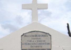 Plaque mortuaire de Masséna Desbonnes au cimetière de Terre-de-Haut