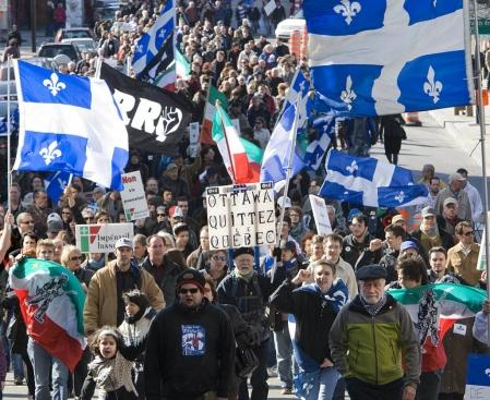 Manifestation pro français. Cliché J. Nadeau -Le Devoir
