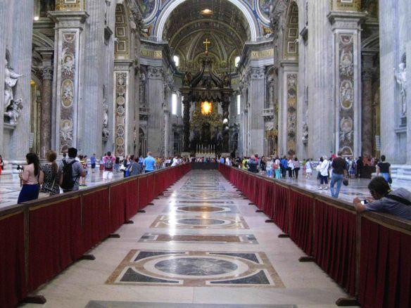 Intérieur de la Basilique Saint-Pierre