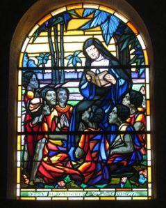 Vitrail représentant A-M Javouhey en mission d'évangélisation