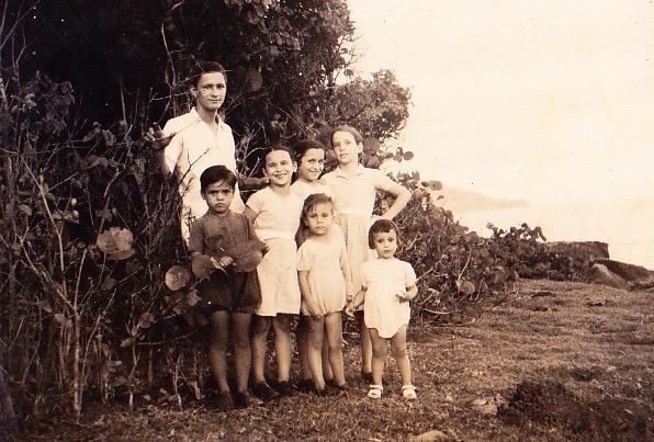 F. Foy avec des membres de sa famille en 1952 - Arch Joyeux