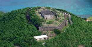 Le Fort Napoléon et sa prison au premier plan