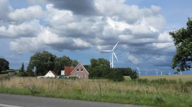 Paysage bucolique d'Allemagne du nord. - Ph. R. Joyeux
