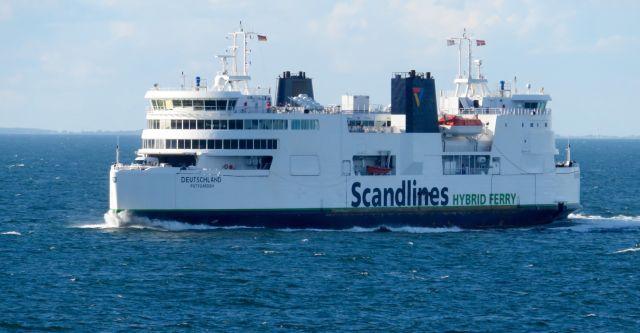 Un des ferries assurant la traversée. Ph. R. Joyeux